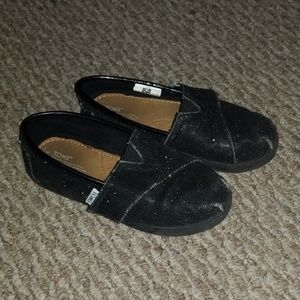 Girls toms size 11